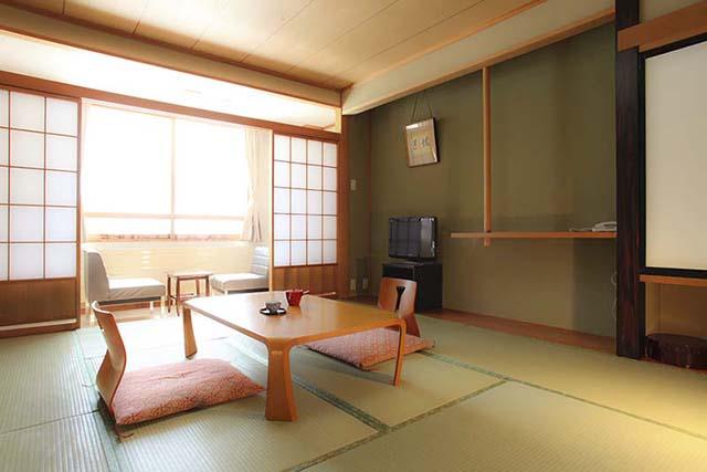 落ち着いた雰囲気の和室